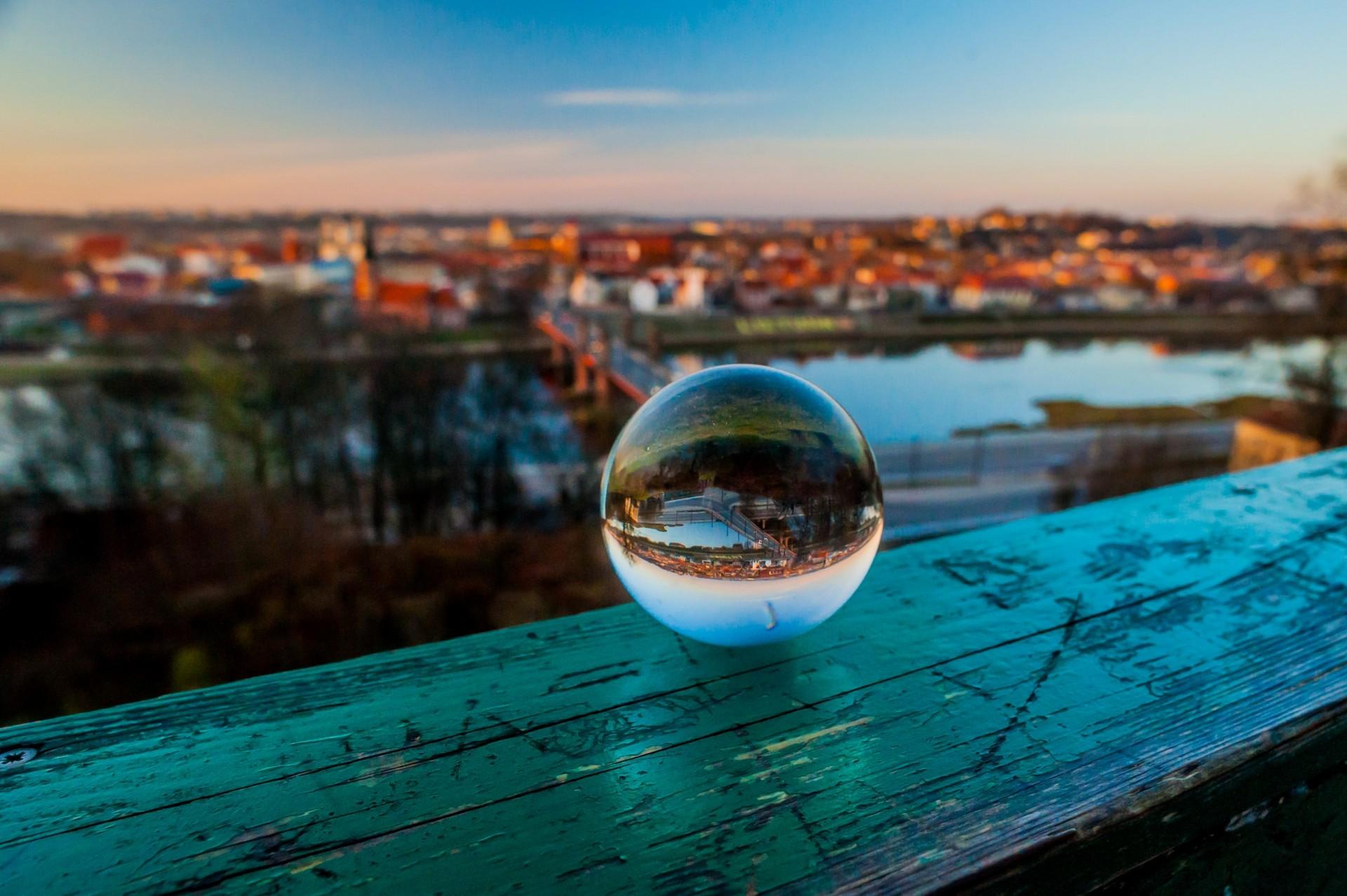 Glass_Ball_24